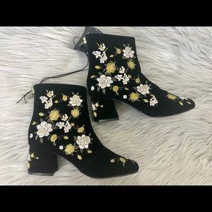 Forever 21 Embroidered Boots Velvet Boho